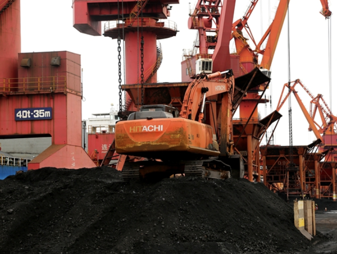 China's coal mania is alarming, yet there's a big twist