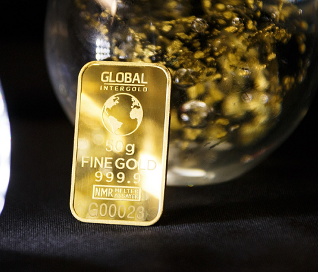 Pull back in gold stocks offers value-hunters opportunity to re-set