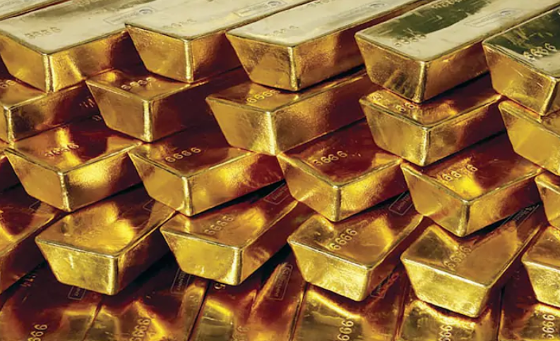 That virus and these interest rates underpinning a strong case for gold