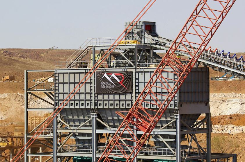 Albemarle's fat cheque re-charges lithium sector but ongoing trade worries hit most other resource stock