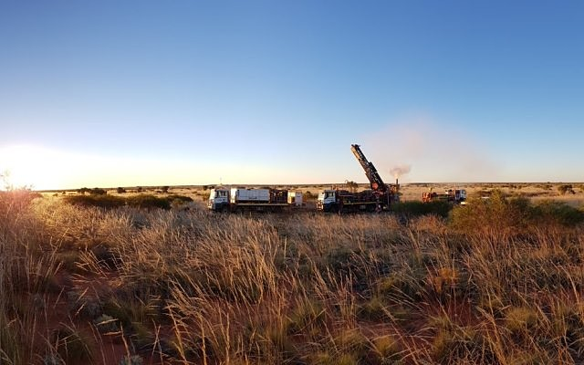 Big boys' exploration success in WA's Paterson fuels drilling frenzy among army of juniors