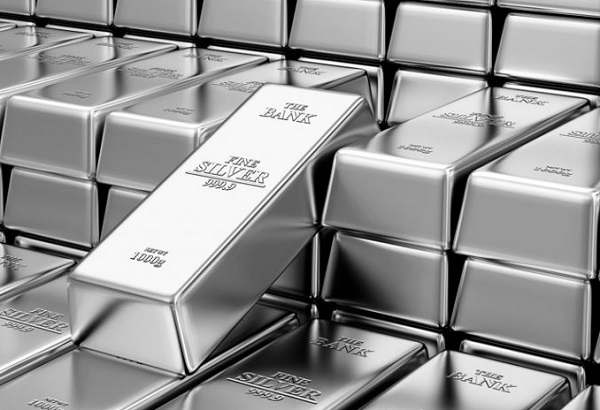 Silver will bash through $US30/oz barrier in 2021, expert says