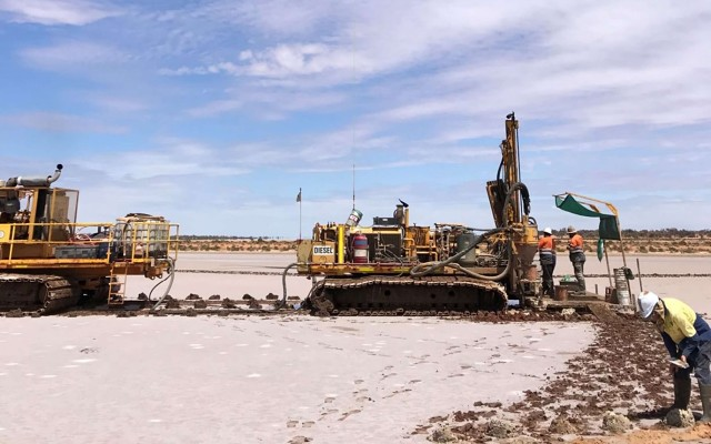 Trigg Mining completes critical trenching and test pumping program at Lake Throssell SOP project