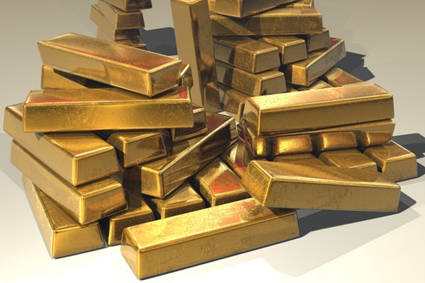 Gold stocks post solid gains as forecasters tip the metal's price to recover