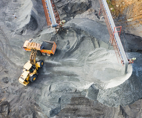 Strandline prepares big WA mineral sands project for lift off amid strengthening financial outlook
